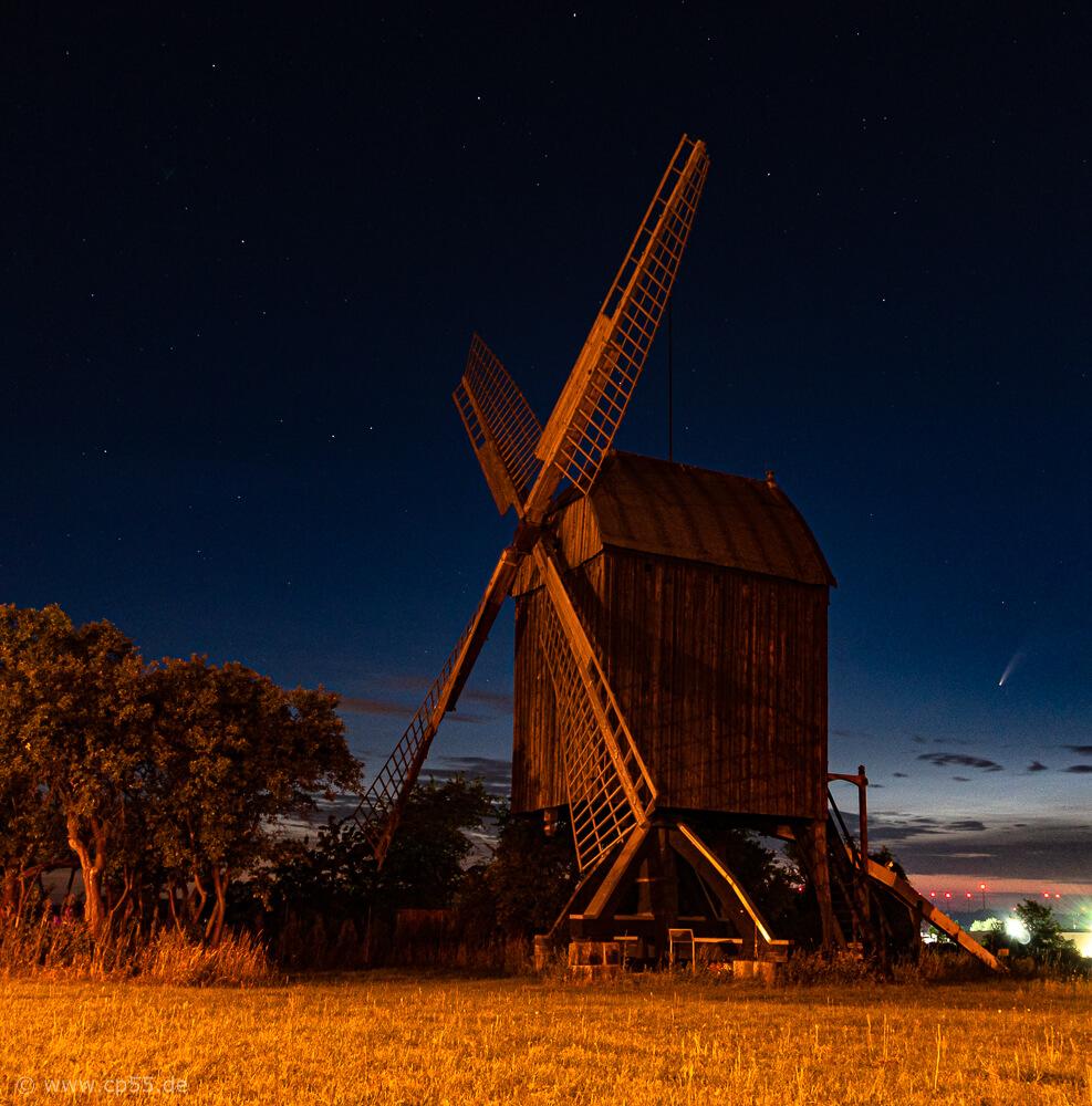 Bockwindmühle und Komet Neowise