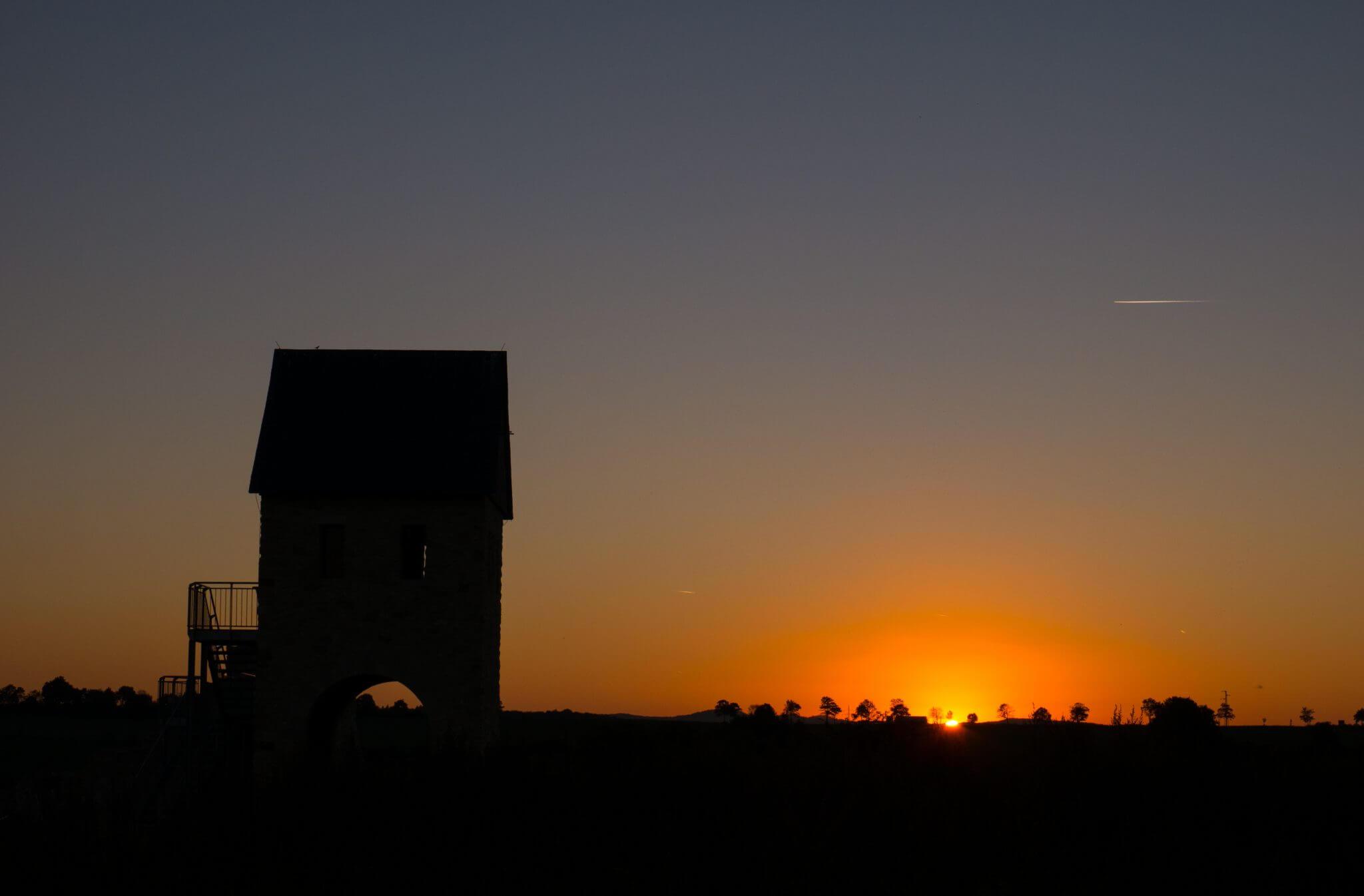 Kaiserpfalz Werla Sonnenuntergang