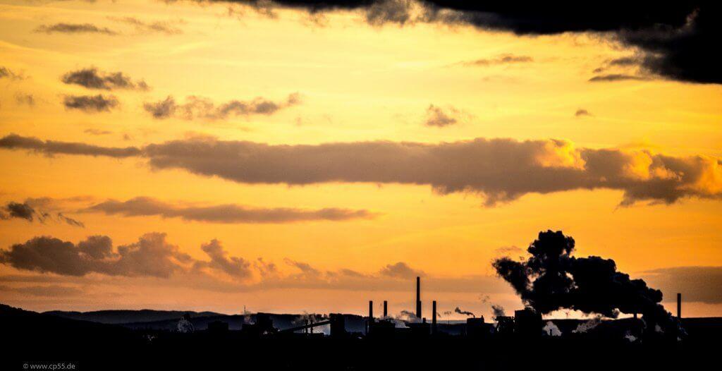 Sonnenuntergang im April vor der Salzgitter AG