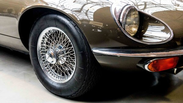 Jaguar E-Typ 12 Zylinder